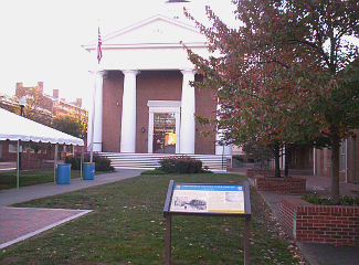 Old Court House Museum, Pedestrian Mall, Winchester