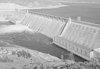 Grand Coulee Dam and Lake Roosevelt