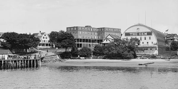 Peaks Island, Gem Theater