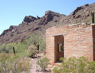 Alamo Canyon Ranch House
