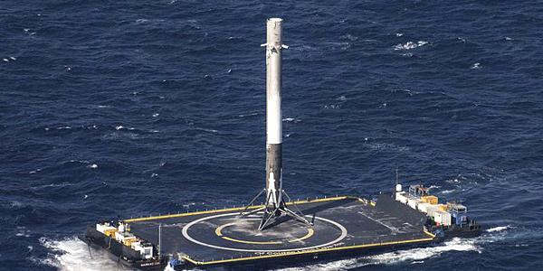 Space X Rocket Landing on Sea Platform